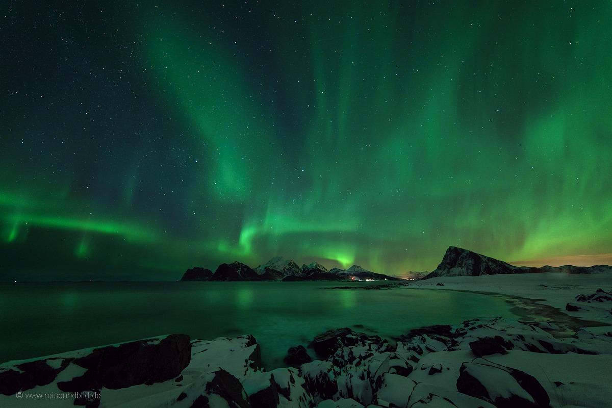 Strand Polarlicht Nordlicht Lofoten Norwegen 4